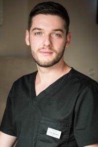 Д-р Михайлов