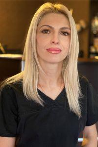 Илияна Дончева - Екип Skin Line Варна